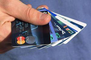 «Όχι» στις πιστωτικές κάρτες