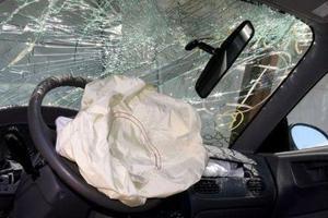 Επιδίκασε αποζημίωση από τραυματισμό αερόσακου
