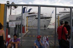 Διαμαρτυρία στο λιμάνι του Πειραιά