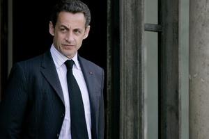Την επιστροφή του στη πολιτική σκηνή ανακοίνωσε ο Σαρκοζί