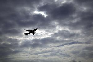 Θα προχωρήσουν στην εκκένωση του αεροσκάφους