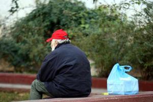 Περισσότεροι οι πτυχιούχοι άστεγοι από τους αναλφάβητους