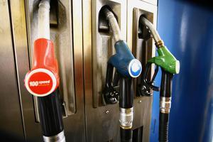 Στο δρόμο και οι βενζινοπώλες