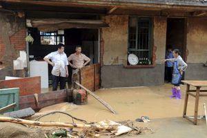 701 νεκροί από τις πλημμύρες