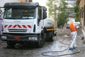 Παριστάνουν τους καθαριστές του δήμου Αθηναίων