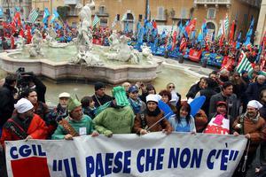 Παραλύει και η Ιταλία