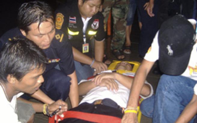 Μία νεκρή και 10 τραυματίες από εκρήξεις βομβών σε θέρετρο στην Ταϊλάνδη
