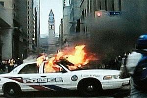 Φτάσανε τις 480 συλλήψεις μετά τα χθεσινά βίαια επεισόδια