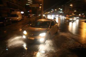 Οι βροχές έφεραν πλημμύρες