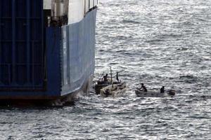 Βύθισαν σκάφος φορτωμένο με εκρηκτικά