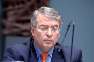 Παραίτηση του Απόστολου Ταμβακάκη από την Τράπεζα Πειραιώς
