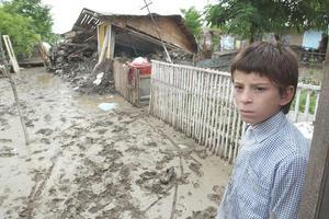 Φονικές πλημμύρες σαρώνουν τη Ρουμανία
