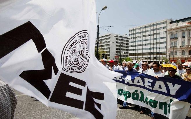 «Φωτιά» στα συνδικάτα για το Ασφαλιστικό