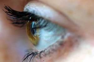 Μεγάλος ο κίνδυνος να τυφλωθούν
