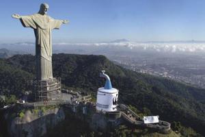 «Σεμνή» ανακαίνιση για το άγαλμα του Χριστού