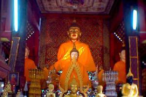 Πολυάσχολος Βουδιστικός ναός