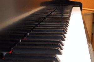 Πιανίστρια κινδυνεύει με φυλάκιση επειδή ενοχλούσε τους γείτονες