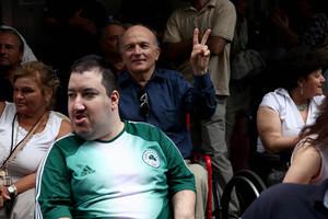 «Κάτω τα χέρια από τα άτομα με αναπηρία»