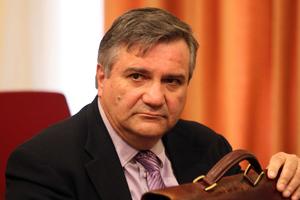 Μετωπική σύγκρουση Καστανίδη-δικαστών