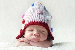 Γρίφος η επιμέλεια μωρού με τέσσερις ομοφυλόφιλους γονείς