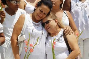 Στο πλευρό των «γυναικών με τα λευκά» οι ΗΠΑ