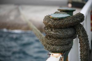 Μηχανική βλάβη κρατά δεμένο το πλοίο «Άρτεμις» στο Λαύριο