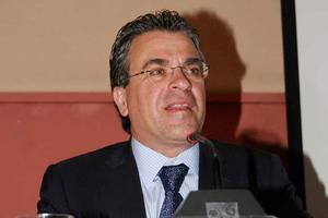 Μήνυση ετοιμάζει ο Ντινόπουλος στην Εφημερίδα των Συντακτών