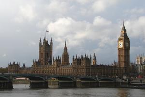 Σε κατάσταση ετοιμότητας 1.200 οπλίτες στο Λονδίνο