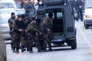 Και Ελληνίδα τραυματίστηκε στην πλατεία Ταξίμ