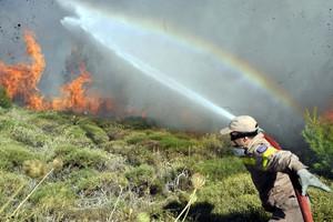 Υπό μερικό έλεγχο η φωτιά στη Χίο