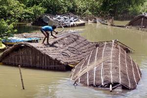 Αυξήθηκαν οι νεκροί από τις πλημμύρες στην Ινδία
