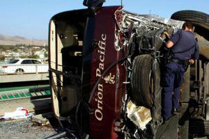 Δεκάδες τραυματίες από σύγκρουση λεωφορείου με φορτηγό