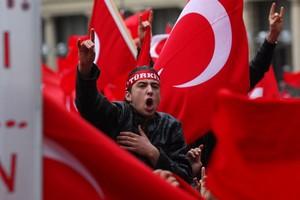 Ένταλμα σύλληψης για 102 κατηγορούμενους για πραξικόπημα