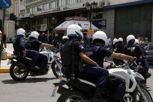 Μηχανή της ομάδας ΔΙΑΣ πάτησε διαδηλωτές