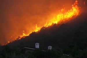 Δε φταίει η ΔΕΗ για τις πυρκαγιές