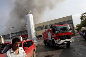 Φωτιά σε αποθήκη στα Τρίκαλα