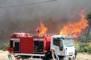 Υπό μερικό έλεγχο η φωτιά στην Κέρκυρα