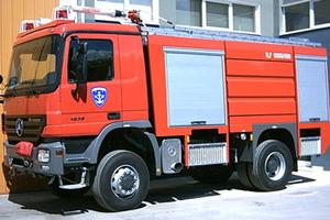 Τούμπαρε πυροσβεστικό όχημα