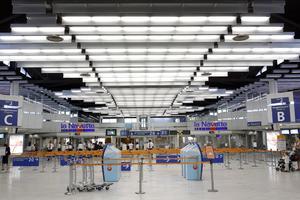 Τα ευρωπαϊκά αεροδρόμια ζητούν έκτακτα μέτρα λόγω των συνεπειών από την κρίση του κορονοϊού