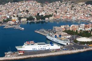 Οι Βορειοελλαδίτες πάνε διακοπές στη Μυτιλήνη μέσω... Τουρκίας