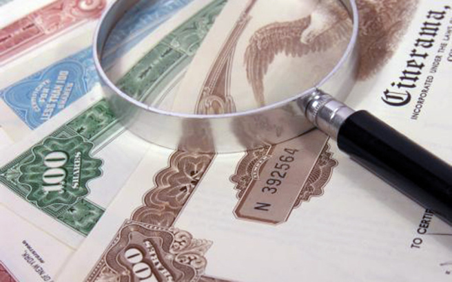 Στο χαμηλότερο επίπεδο από την αναδιάρθρωση χρέους του 2012 η απόδοση των ομολόγων