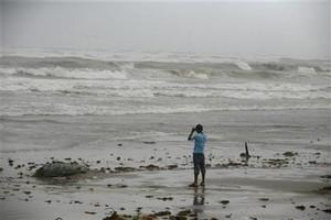 Τροπική θύελλα απειλεί την εξέδρα της BP