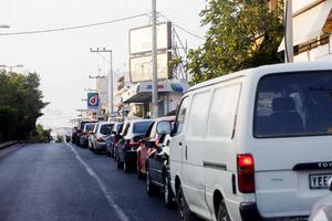 Προβλήματα από την απεργία ιδιοκτητών φορτηγών και βυτιοφόρων