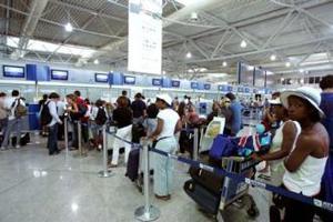 Μεγάλη ταλαιπωρία και στα αεροδρόμια της Κύπρου