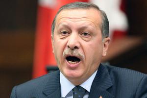 Ο Ερντογάν «φιμώνει» όλα τα κανάλια που είναι φιλικά στον Γκιουλέν