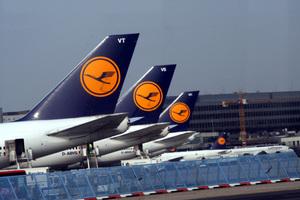 Πιλότοι παραιτούνται μαζικά λόγω μείωσης μισθών