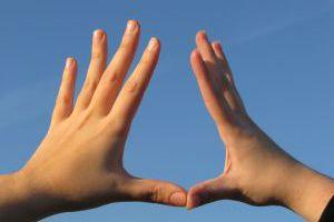 Πώς επηρεάζει τη ζωή μας το χέρι με το οποίο γράφουμε