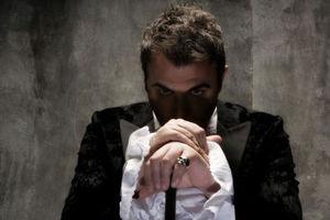 1.000.000 ευρώ ζητάει η Sony Music από τον Αντώνη Ρέμο