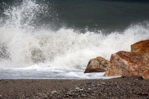 Ψαράς κινδύνεψε από τους δυνατούς ανέμους