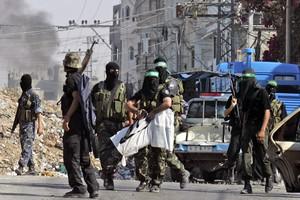Η Χαμάς «χαιρέτισε» την επίθεση κατά των Ισραηλινών